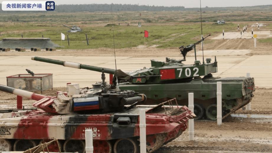 """中国队在国际军事比赛-2020""""坦克两项""""接力赛中获得亚军"""