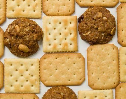 经常吃苏打饼干,可以降尿酸吗?辟谣:尤其是血糖高的人不能多吃