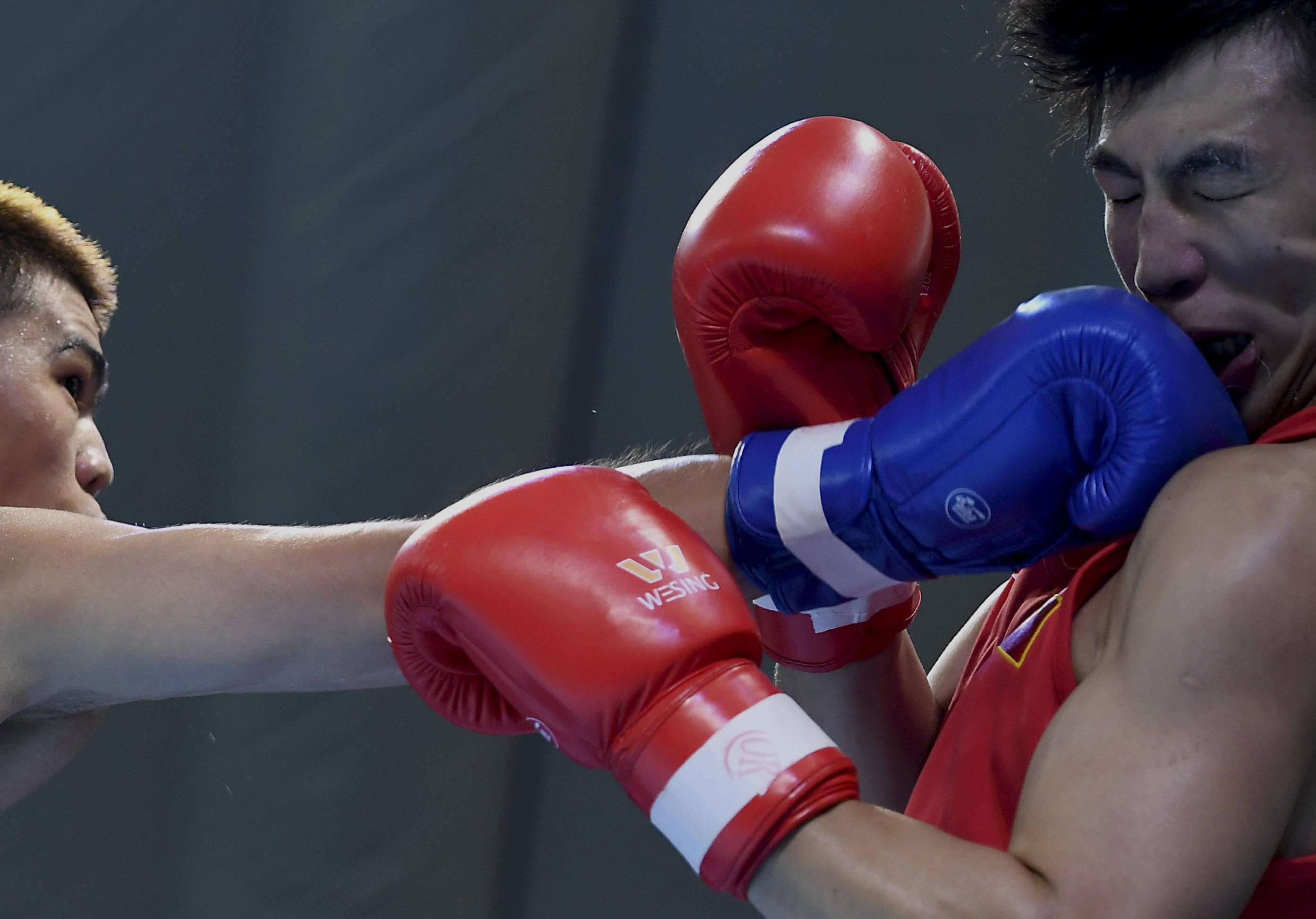 <strong>拳击——全国男子锦标赛:托合塔尔别克</strong>