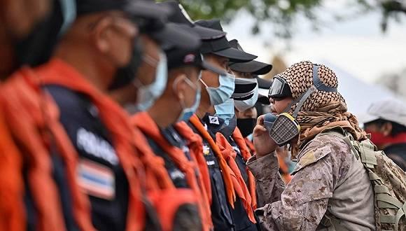 """""""泰国不是国王的"""":新生政治力量能否打破泰国政治禁忌?"""