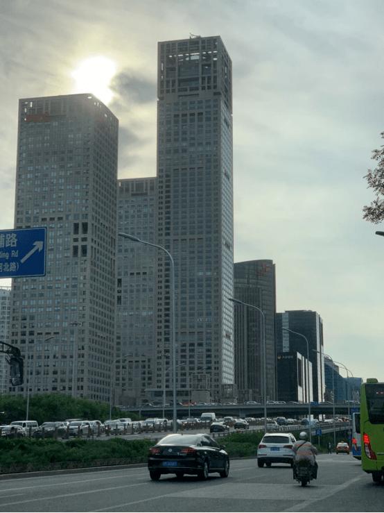 房钱大落30%~40%!北京写字楼空置率创10年新高,房钱也创5年新矮,改日商场何如分裂?
