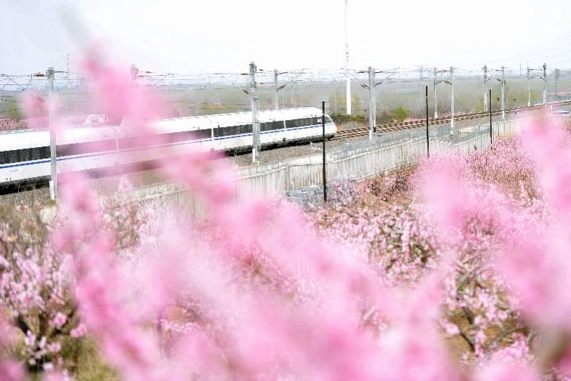 发展|坐着高铁看中国!长假8天,南都每天给你好看