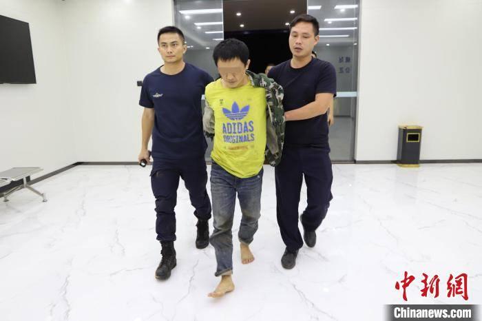 """警方悬赏100万通缉的海南文昌""""黑老大"""""""