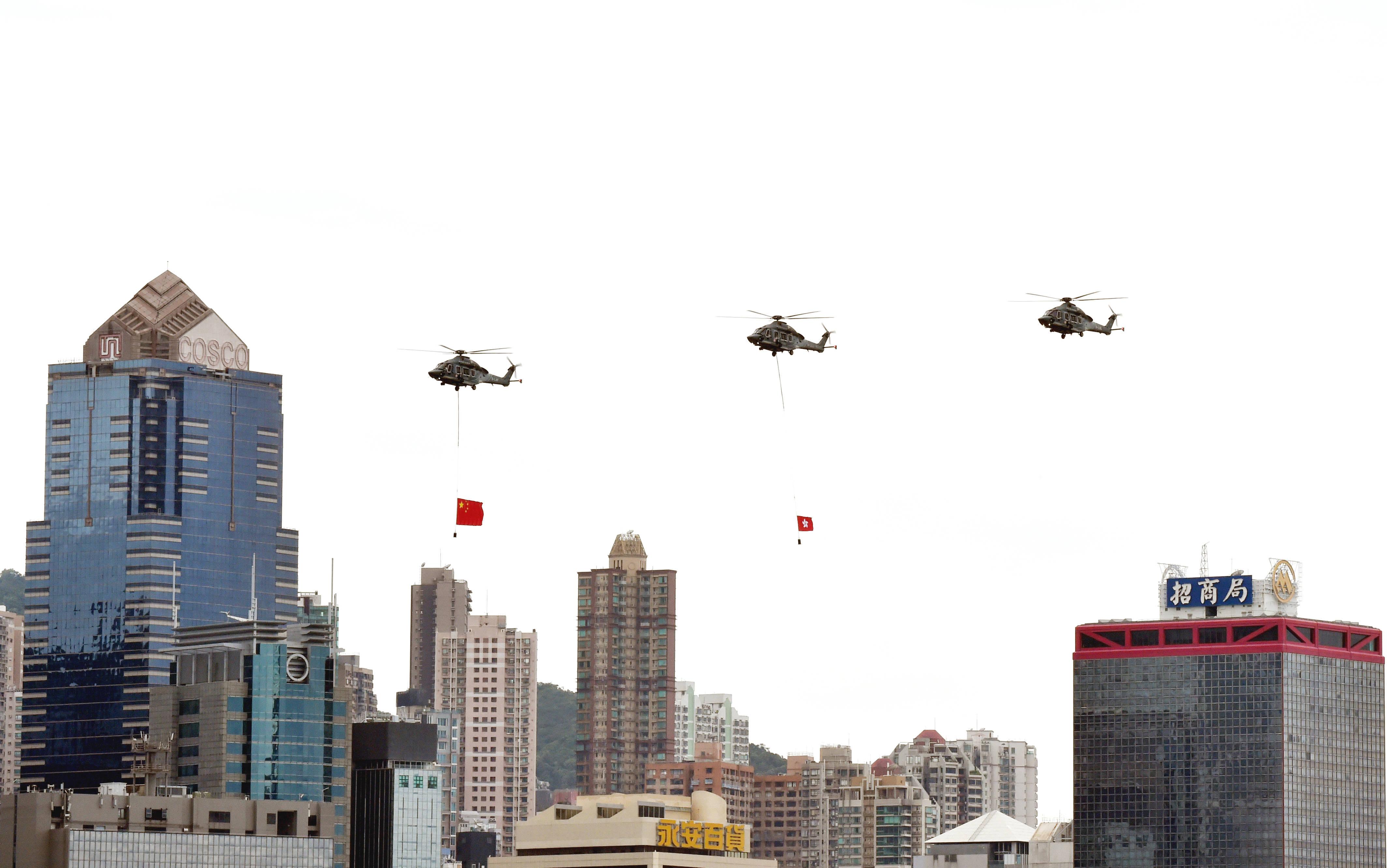 香港:维港巡游庆国庆贺中秋