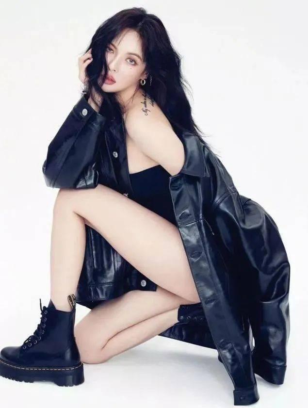 马丁靴+裙子,马丁靴+工装裤……又酷又撩,时髦炸了!     第3张