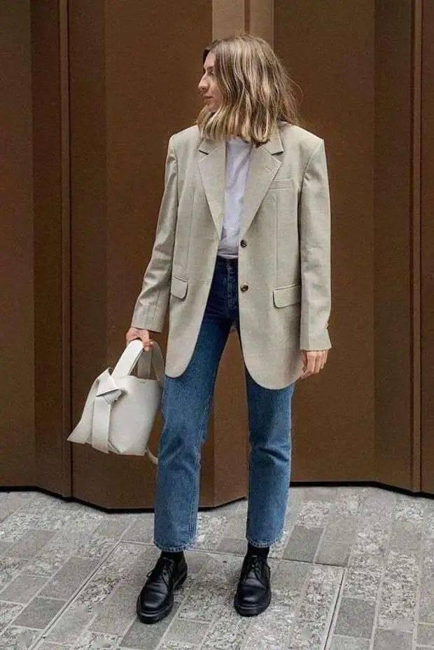马丁靴+裙子,马丁靴+工装裤……又酷又撩,时髦炸了!     第13张