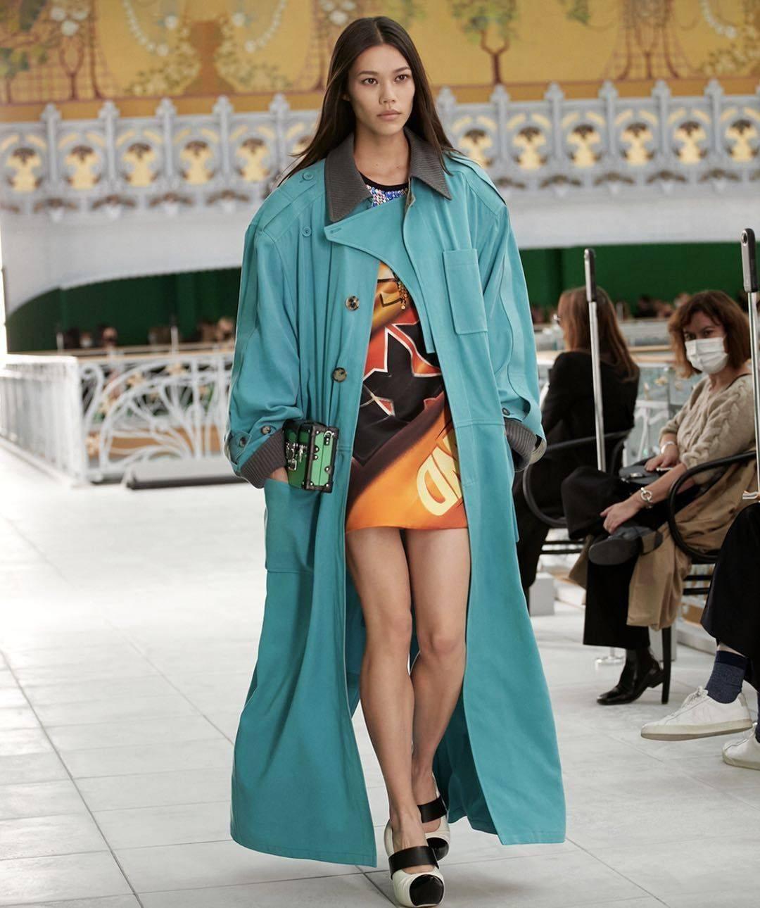 男女同款和女性主义,构建2021年衣橱里的时尚力量