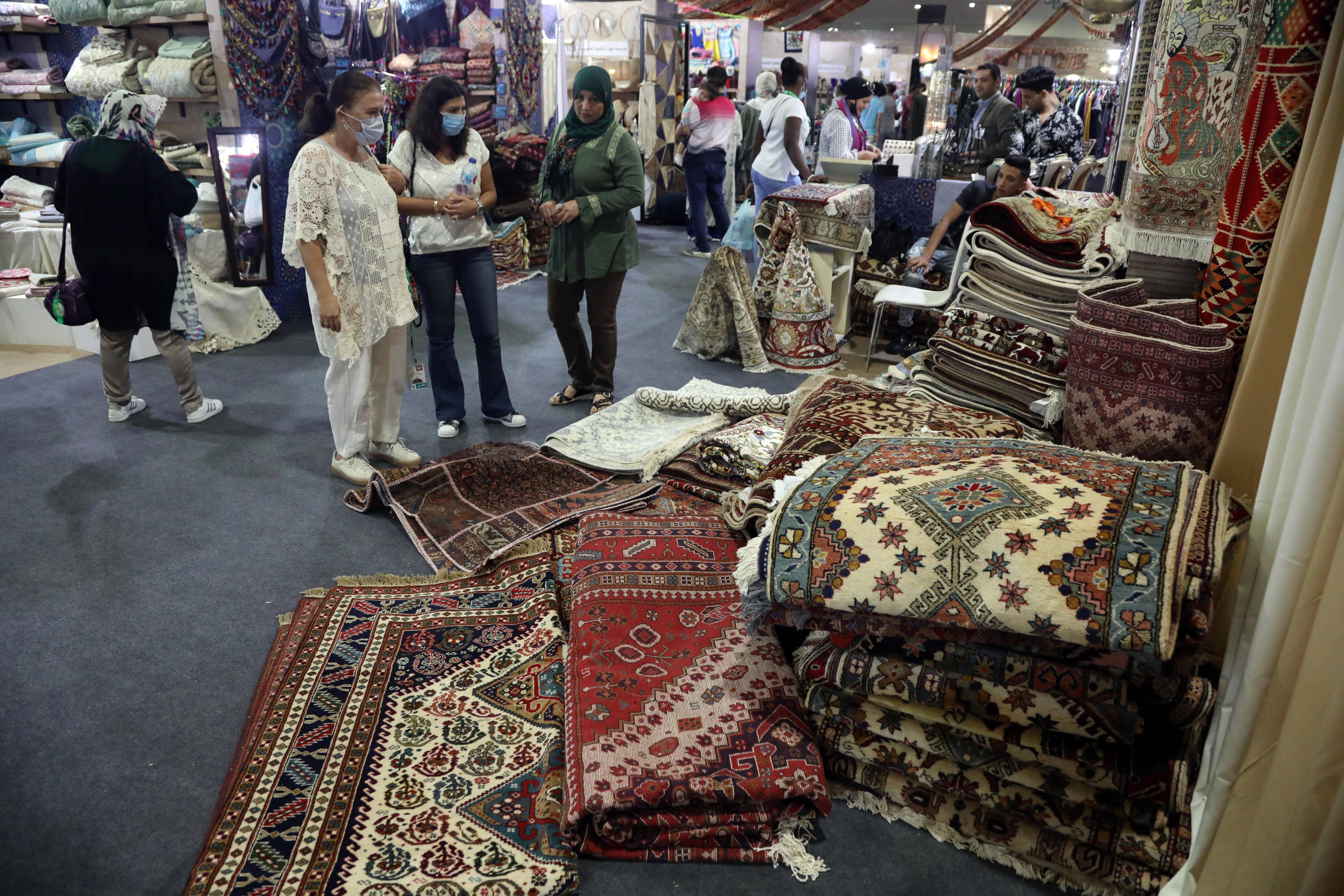 埃及举办传统手工艺品展