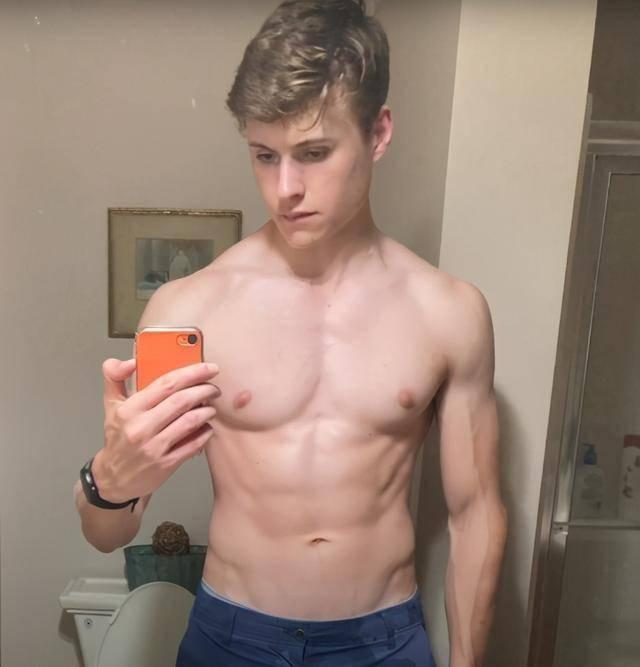 健身2年身材有多大改变?看20岁小伙,健身2年的身材转变