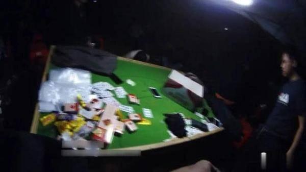 野生流动赌场赌博 南宁警方当场控制61人