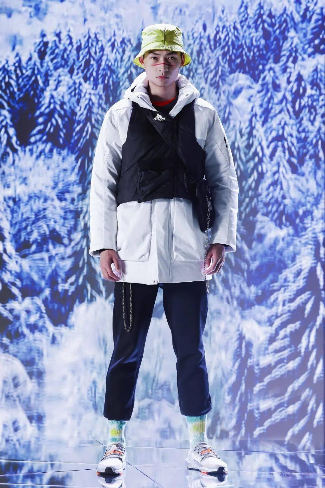 冬日搭配很沉闷?阿迪达斯教你怎样用跨界艺术引发冬季时尚新浪潮?
