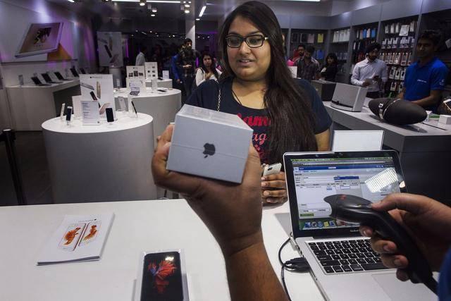 苹果转移印度提速,业内称要替代中国没可能,现实仍存诸多难题