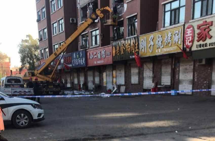 恒达官网黑龙江佳木斯一小区燃气爆炸致1死2伤,爆炸原因正在调查中(图2)