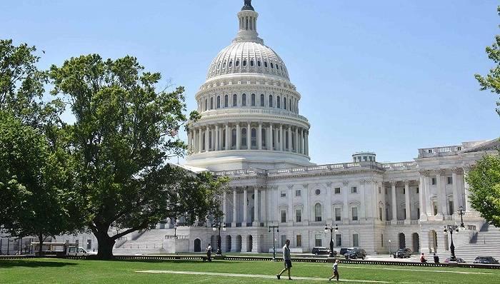 总统议员一起选:民主党能否入主白宫还控制国会两院?