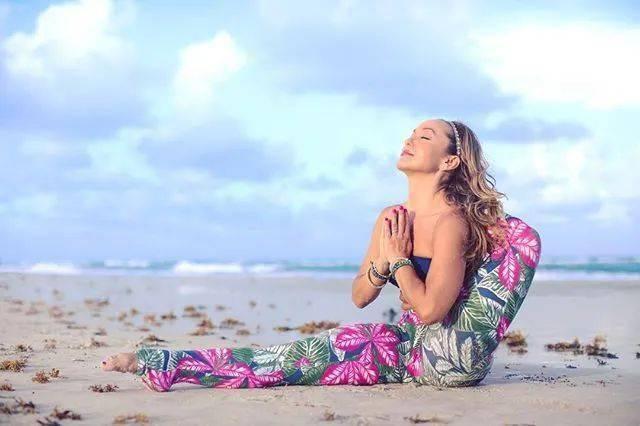 坚持练习20年,她是阿斯汤伽瑜伽界第一网红!