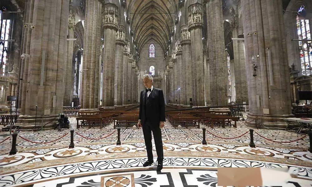 一个人的演唱会,意大利巨星安德烈波切利在米兰大教堂开唱
