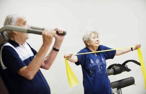 中老年女性,应该胖点好还是瘦点好?别乱猜,我国有统一标准