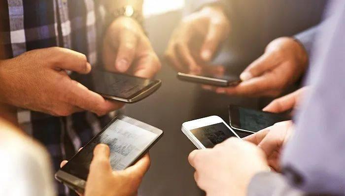 """双11哪家手机卖得好?小米""""称王""""低价机型,苹果华为""""制霸""""高端市场"""
