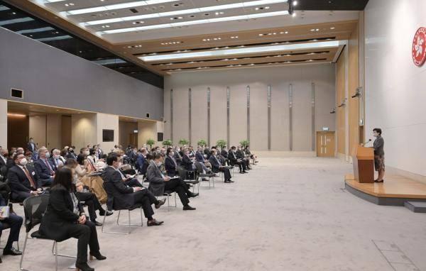 林郑月娥向国际社会简介香港2020年施政报告