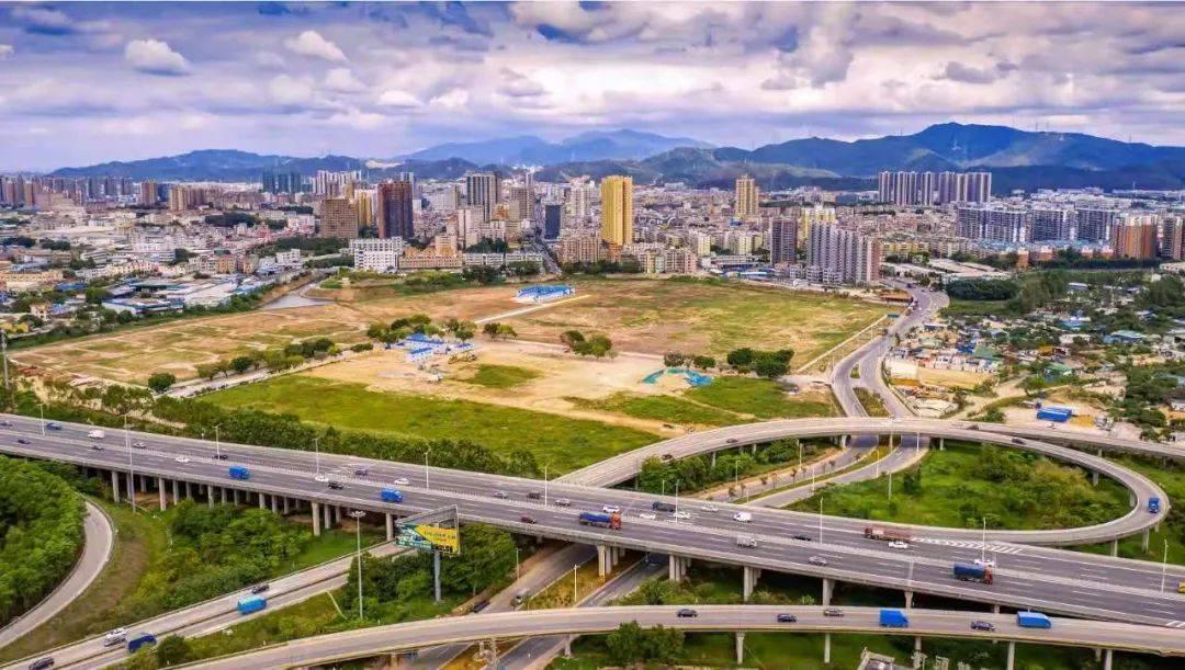 黄江2020年gdp是多少_如何看2020年东莞GDP只有9650亿,是唯一一个没有破万亿的预备城市