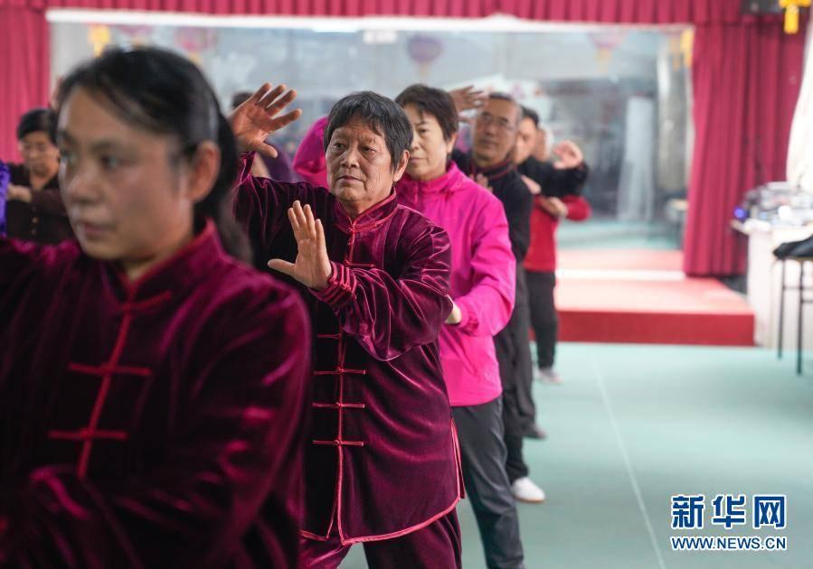 """河北黄骅:老年活动中心的幸福""""夕阳红"""""""