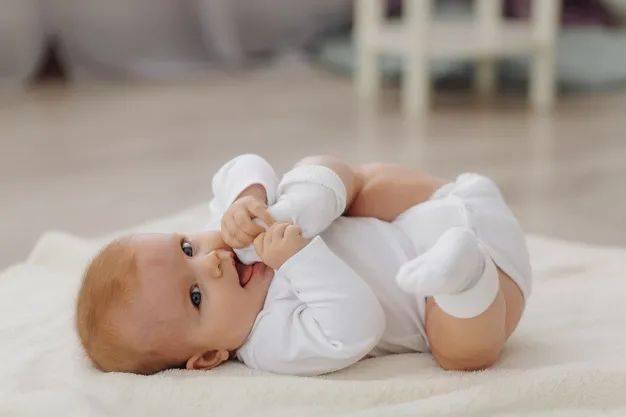 一岁女婴盲目补钙导致血尿?要不要给孩子补钙?