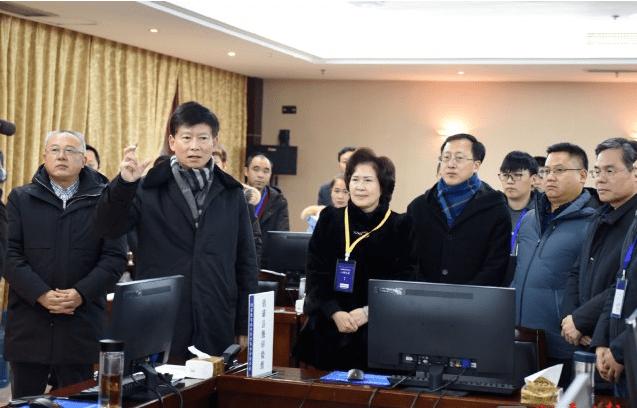 岁末,市委书记杨亚林到镇雄县看望慰问脱贫攻坚普查员和基层干部