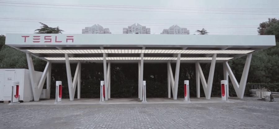 特斯拉在上海推出全球最大超级充电站