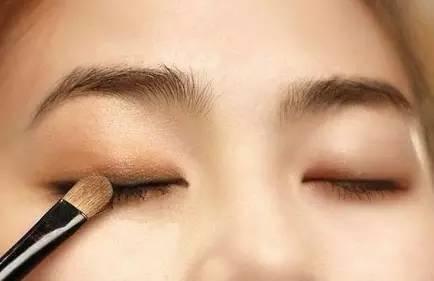 """怎样化淡妆?淡妆化妆步骤教你做""""素颜""""女神!"""