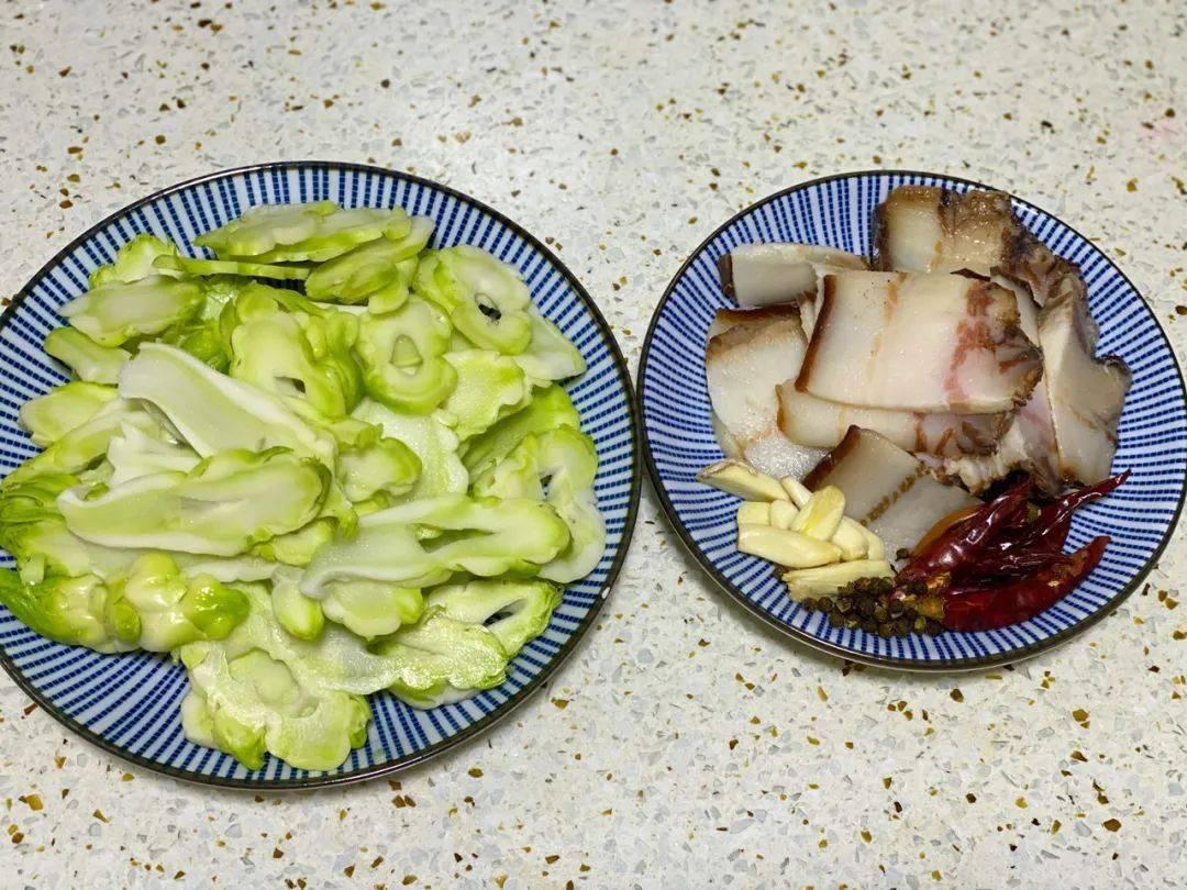 儿菜,生吃清脆,熟吃化渣,可素可荤,简直就是自成一体的百搭王。