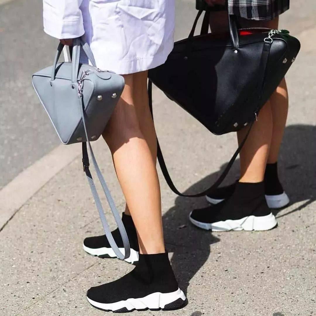 放弃马丁靴 !它才是今冬的标配,显瘦又显高!!!