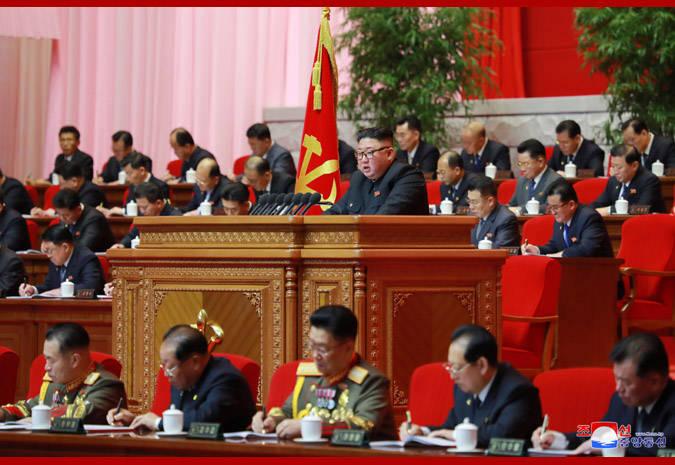 朝鲜劳动党八大第二天会议举行 金正恩做工作总结报告