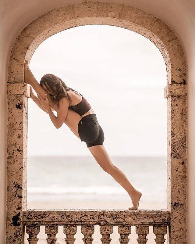 瑜伽这么久,高难度体式还是做不到?这16个动作你要经常练!