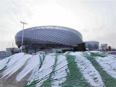 """成都凤凰山体育公园最新进展:高科技""""加持"""" 最快4月可打测试赛"""