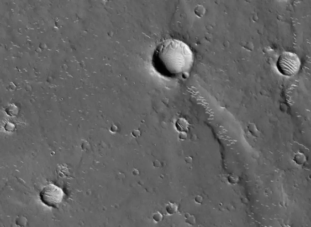 火星轨道开春晚 天问一号过大年  第2张
