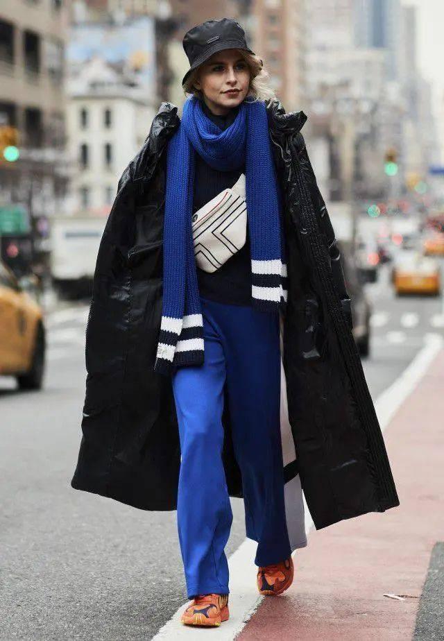 羽绒服+阔腿裤=秋冬必备王炸组合,这么穿美爆2021年!