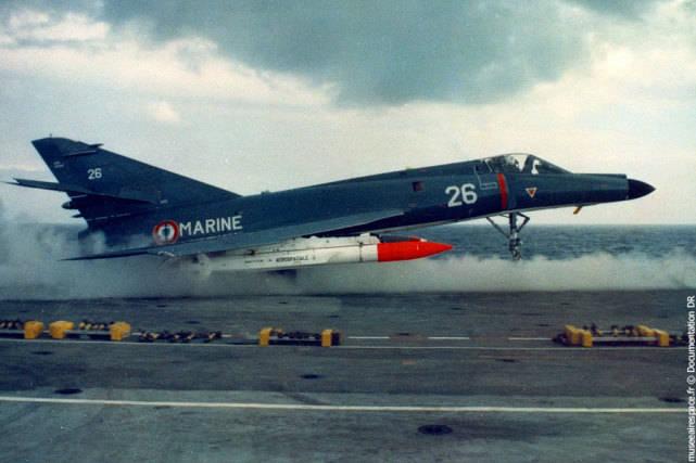 法国核大棒!阵风战机发射核巡航导弹,印度眼馋,但有钱也买不到