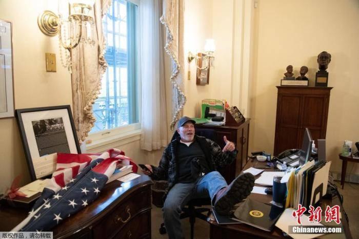 """美国政坛再洗牌 特朗普的克星,是这位80岁""""女魔头""""!"""