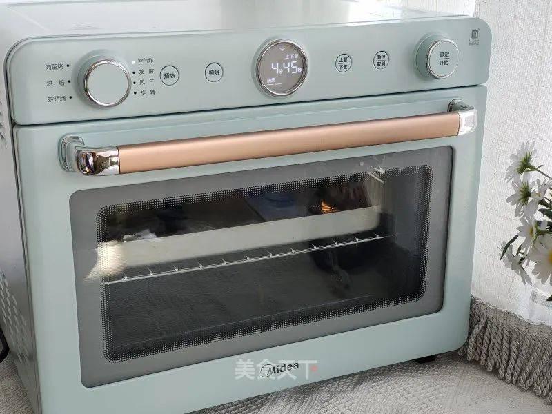 这道烤箱菜真的是零难度了!做法巨简单却超好吃,喜欢的赶紧试试吧