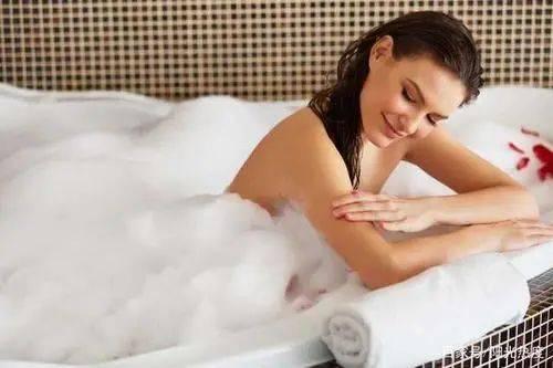 冬季皮肤易干燥,记得擦点身体乳!身体乳如何选购?