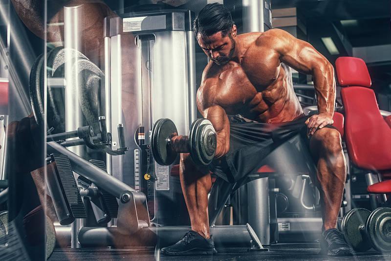 如何练出发达的肌肉腿?2项经典的杠铃运动,你不得不试_进行