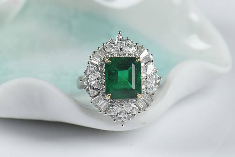 如何清洗祖母绿戒指?镶嵌祖母绿戒指图片