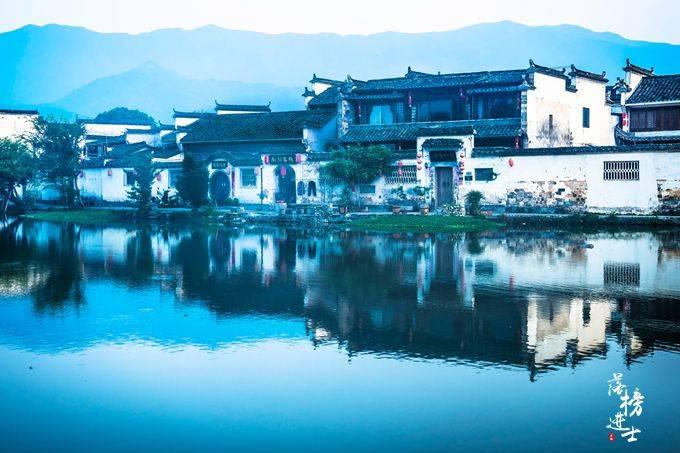 """安徽宏村,被誉为""""中国画中的村庄"""",因一部电影世人皆知"""