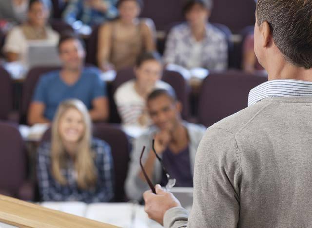 在职研究生和全日制研究生的区别 哪个含金量高?