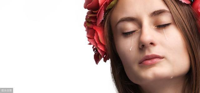 以眼泪为话题的议论文(以眼泪为话题的优秀作文800)