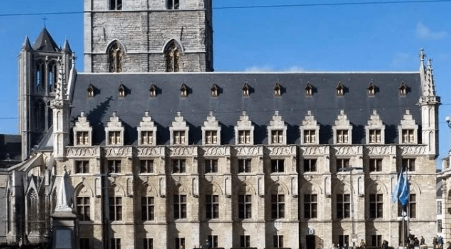 哥特式建筑特点(简述哥特式建筑的三个特点)
