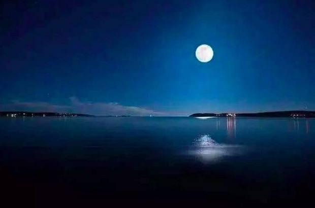 南湖秋水夜无烟南湖指的是?南湖指哪里