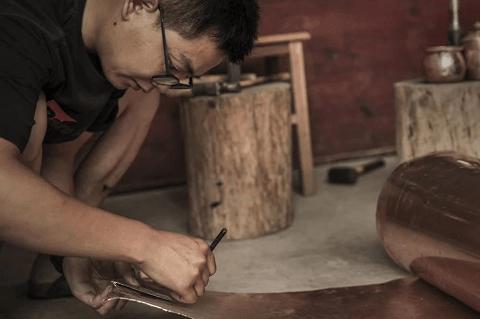 上海高管歸隱皖南深山,做匠心銅器