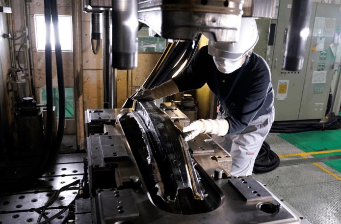 更安全 日产碳纤维零部件生产取得新突破
