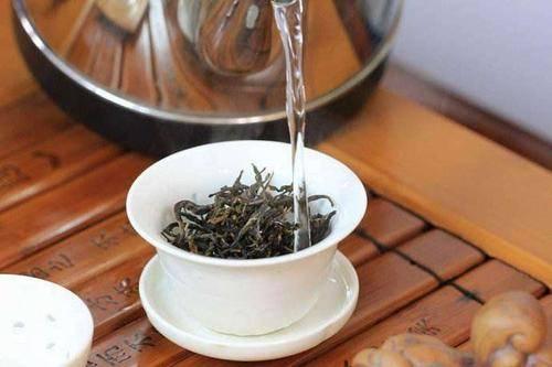关于普洱茶洗茶